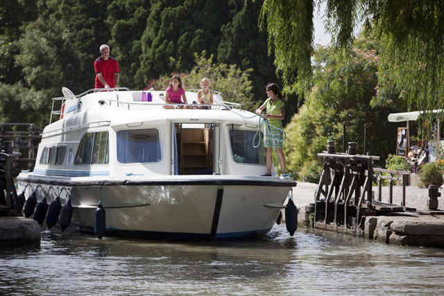 Le Boat Canal Du Midi boating holiday