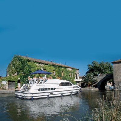 Boating Holidays (Barging / House Boats)